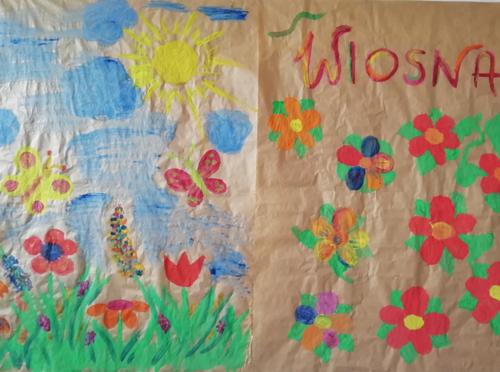 Kiedy mamy już dość wyklejanek bierzemy do rąk pędzle i farby. W ten sposób powstaje nasza wiosna.