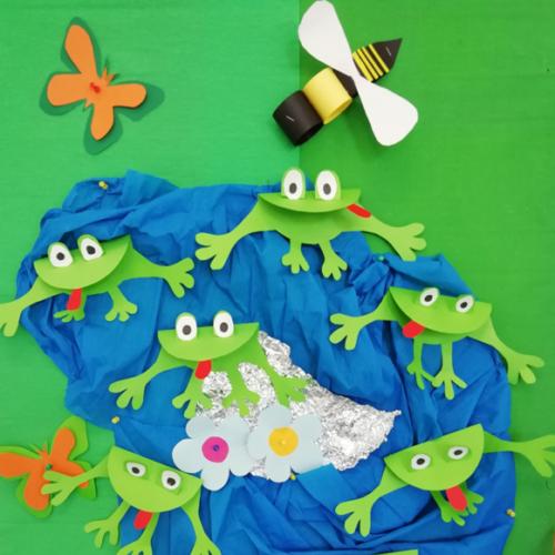 A jak wiosna nie może zabraknąć żab w stawie.